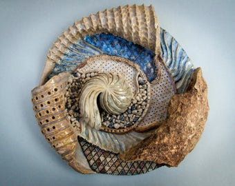 Mural ceramic inspired by seabed