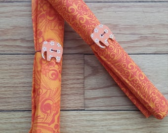 Set of 2 cloth napkins with adorable napkin rings