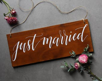 Just Married Wedding Sign. Rustic Wedding Signage . Photo Booth Props. Hanging Car Signs. Cute Wedding Signs. Wedding Photos