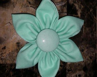 Solid Mint 6 Petal Flower