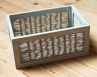 Fund gray wood