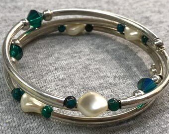 Green crystal and pearl wrap bracelet