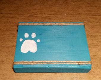 Paw print picture holder