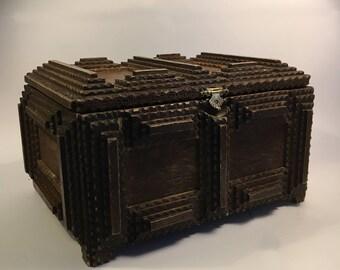 Tramp Art box / doos