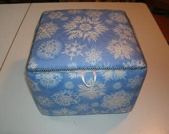 Snow flakes fabric box