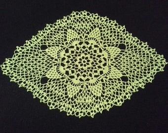 SALE! Crochet doily - Oval doilies - Medium doily - Green doily - Home decor - Crochet doilies
