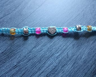 Macrame cute bracelet with button and heart