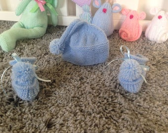 Hand knitted pixi set