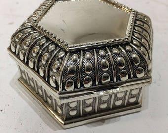 Hexagonal detailed silver plated box