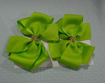 Green Baby Bow Pair