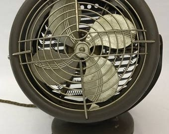 Montgomery Ward Heating & Cooling Fan Made in the USA Model 05-DE-2149A