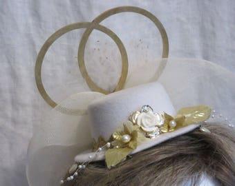 "Wedded Bliss, 50 Year Anniversary White & Gold 5"" Mini Fascinator"
