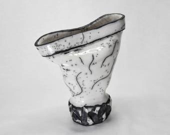 """Vase """"Rock's foot"""" white and black, RAKU"""