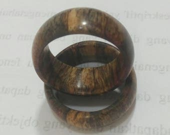 wood ring, spalted rose wood ring, dyed red wood