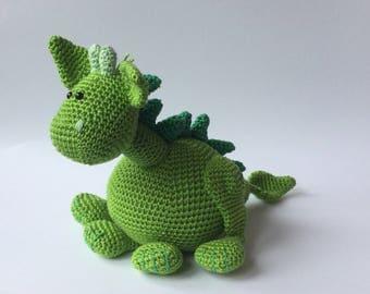 Crochet hug: Dragon (green)