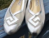 80's Does 60's SILVER Space AGE, 1980's Summer Flats, LEATHER Shoes size 9 1/2