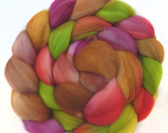 SUPERWASH SUPERFINE MERINO roving top handdyed wool spinning fiber 4.4 oz