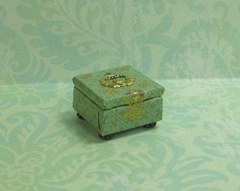Dollhouse Miniature Green & Gold Claddagh Jewelry Box