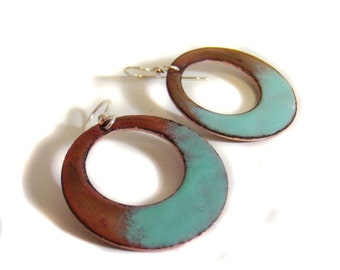 shoreline vitreous enamel hoop earrings / honey gold, verdigris aquamarine green