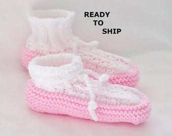 Womens Knitted Slippers, Drawstring Bedsocks, Pink and White, Ladies Size 7 - 8