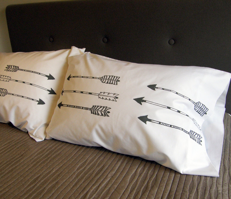 arrows pillow case set of 2 standard or king size hand. Black Bedroom Furniture Sets. Home Design Ideas