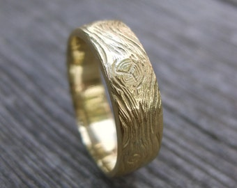 BARNWOOD cedar woodgrain ring faux bois 14kt gold mens wedding band Made to Order