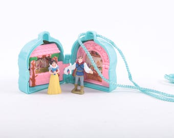 Snow White, Disney, Polly Pocket like Toy, Prince and Princess, Play Set, Necklace ~ The Pink Room ~ 161218