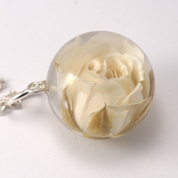 Rose Resin Necklace, Rose Pendant, Rose jewelry, Resin Pendant, Rose necklace, Floral Resin Pendant, Silver Rose,  Nature Jewelry,
