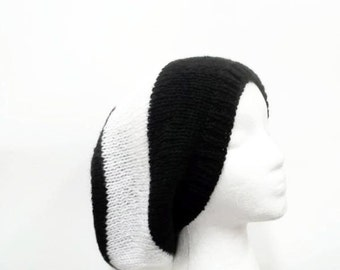 Slouchy hat, large black and white stripes   5220