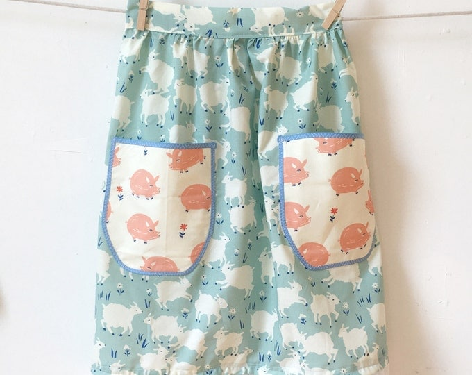 Featured listing image: Vintage Inspired Half Apron