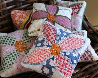 BIG SALE - Pin Cushions - Quilt Pincushion - Brooch Cushion - Sewing Fun - Vintage Quilt Crafting - Patchwork Mini Pillow