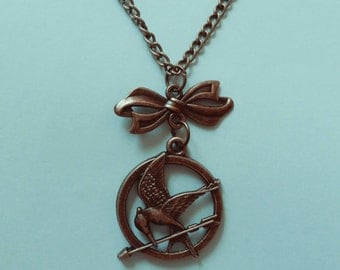 Hunger Games Mockingjay Bird Arrow Bow Necklace
