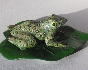 Vintage Green Speckled Frog Figurine