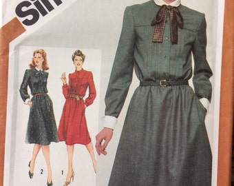 Vintage Sewing Pattern Simplicity 5134  Misses' Pullover Dress Detachable Collar Size 16 Bust 38 inches  Uncut Complete