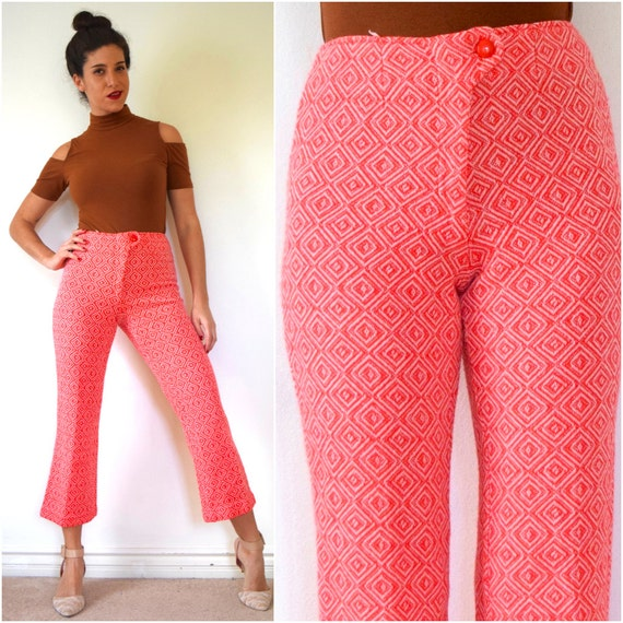 Vintage 70s High Waisted Red and White Diamond Woven Cropped Trousers (size small)