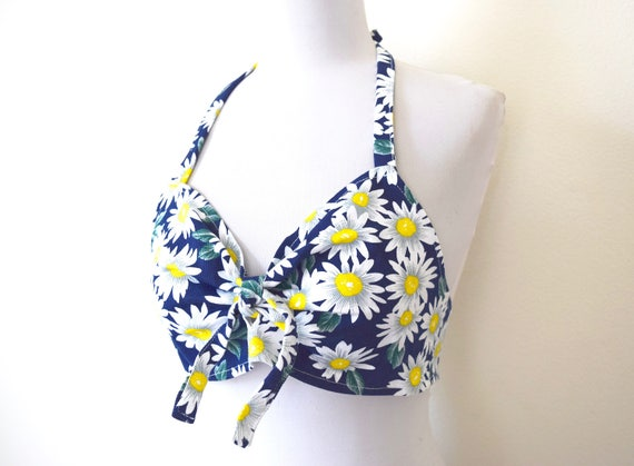 SPRING SALE/ 20% off Vintage 90s does 50s Navy Blue Daisy Print Tie Back Halter Top (size xs, small)