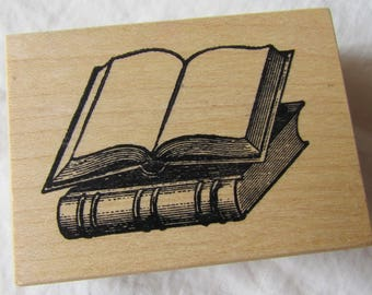 RuBBeR STaMP wood mounted -- STACK OF BOOKS -- LoVe to ReAD - library librarian - DeSTaSH - all occasion stamp, birthday, bookworm, nerd