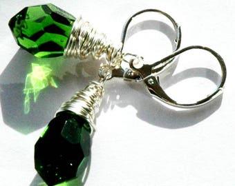 Small Green Silver Pendant Earrings / Silver Wedding Jewelry / Silver Wire Wrap Emerald Green Crystal Chandelier Earrings