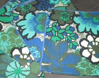 Vintage MOD 60s Blue and Green Floral Flower Cotton Napkins Napkin LOT of Four by Talk O the Table