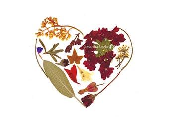 HEART - Valentine's Day, Wedding, Anniversary, Engagement, I Love You - Garden-inspired notecard - Pressed flower art greeting card