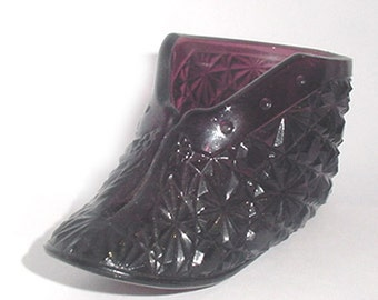 Antique Glass Shoe - -Amethyst Glass Shoe - Daisy and Button With Match Striker