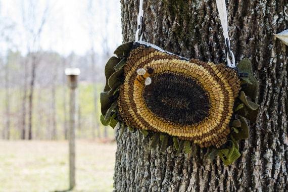 Happy Sunflower rug hookig pattern - PDF - from Notforgotten Farm™