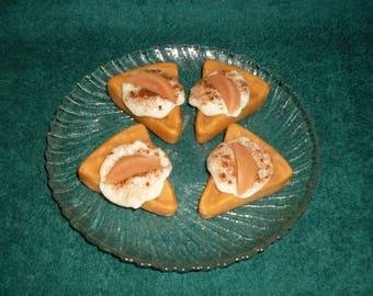 Grubby  Bakery Pie Slice Wax Tarts Bowl Fillers Hot Apple Pie and Vanilla