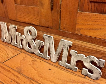 MR & MRS  Sign~~ Cottage Chic ~~ Shabby ~~ Distressed ~~ Wall Hanging ~~ Sign ~~wedding ~~ love