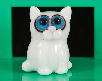 White Kitty Cat Lampwork Bead