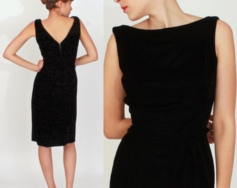 Vintage 1950s Black Velvet Wiggle Dress with Bow Belt by Suzy Perette | Small