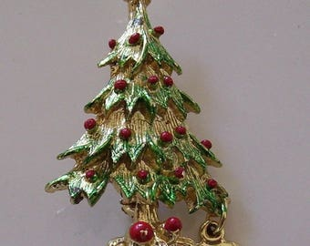 Vintage Gold Tone Christmas Tree Brooch or Pin