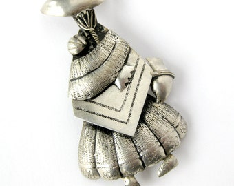 Vintage Silver Female Figure Brooch / Traditional Andean Dress / Peruvian Pin / Dress Woman in Sombrero