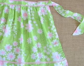 Vintage Half Apron, Retro Apron, Flowers Apron, Pink Green Apron, Preppy Apron, Pink Apron, Daisy Apron