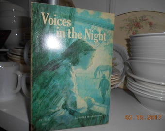 RARE 1972 Scholastic book Voices in the Night by Rhoda W Bacmeister TX 1517